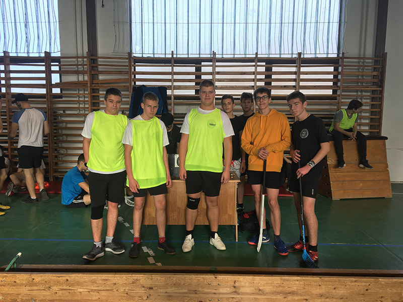 191219 floorball 04